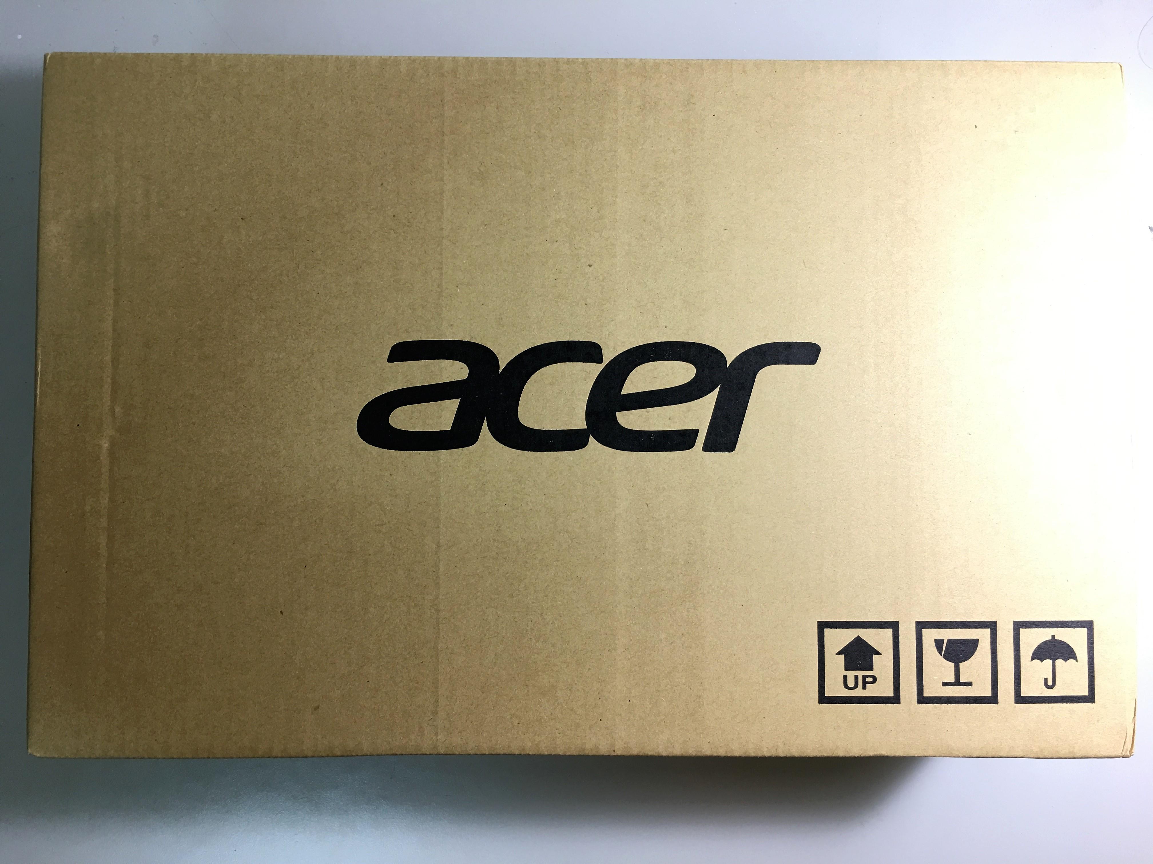 紙箱外觀,印有Acer字樣