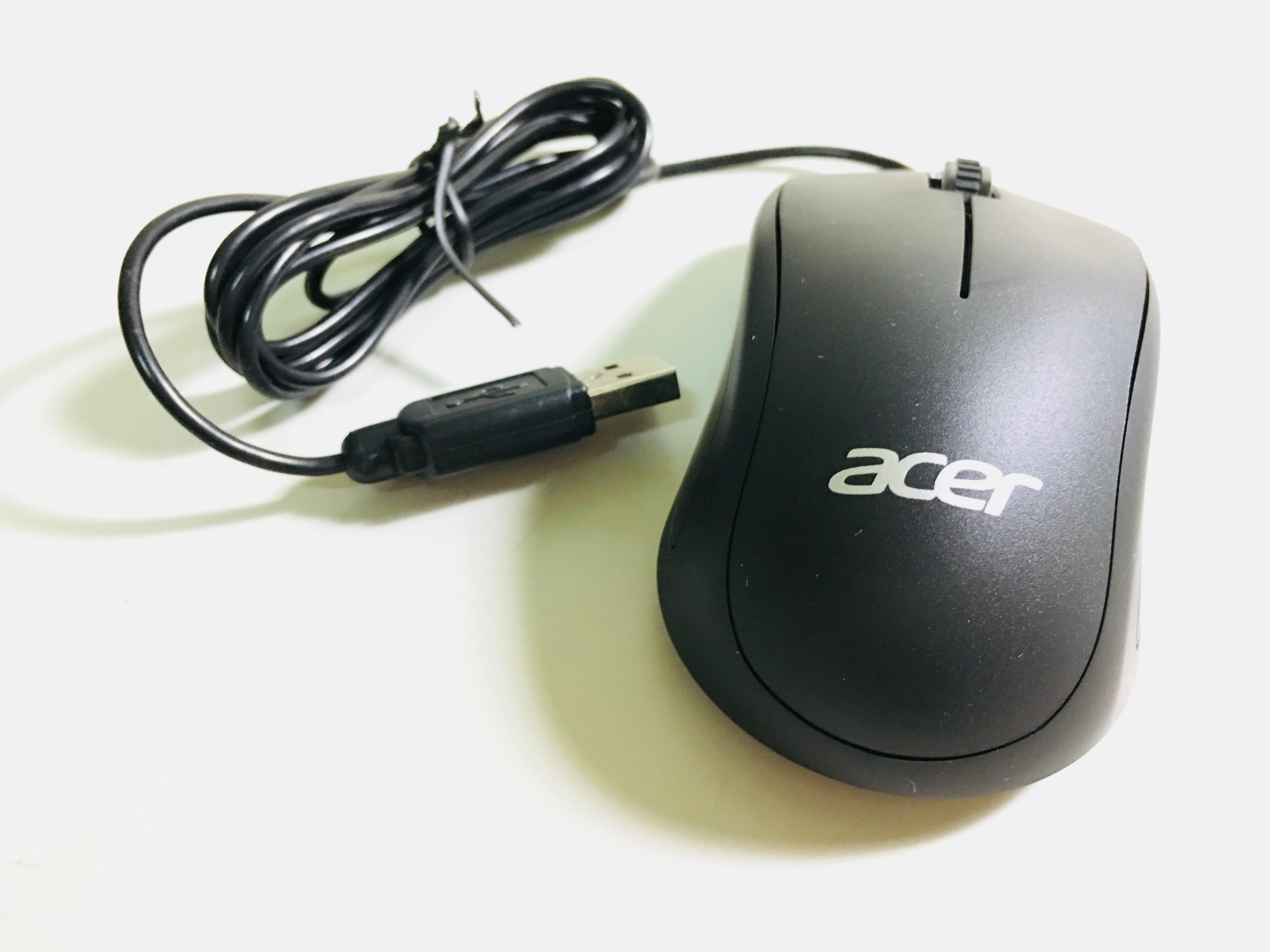 滑鼠 點擊時聲音清脆有力,在圖書館特別響亮XD