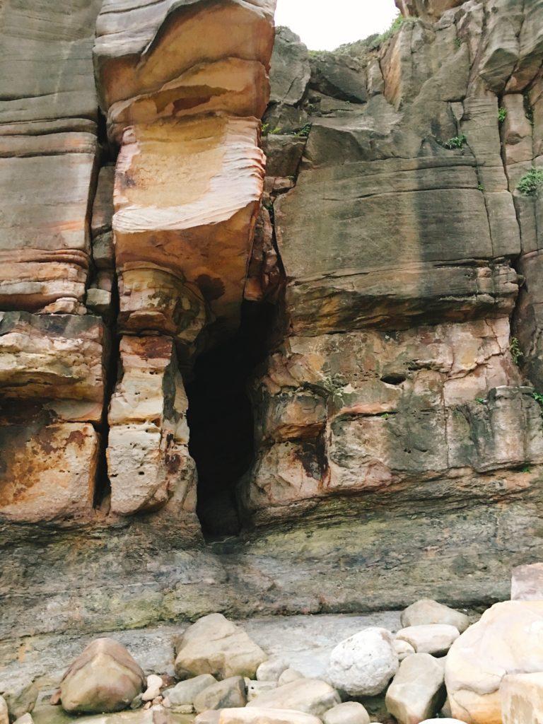回去的岩洞